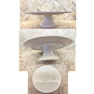 Williams Sonoma White cake stand made in Italy